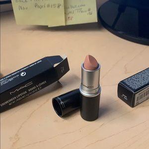 Max lipstick crime of Nude
